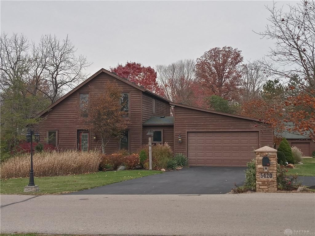 Photo for 5420 Knollwood Drive, Lewisburg, OH 45338 (MLS # 825842)