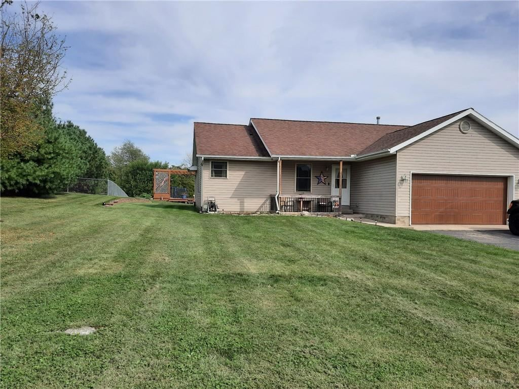 Photo for 200 Norseman Drive, Eaton, OH 45320 (MLS # 849910)