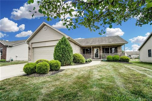 Photo of 604 Meadowview Court, Carlisle, OH 45005 (MLS # 845930)