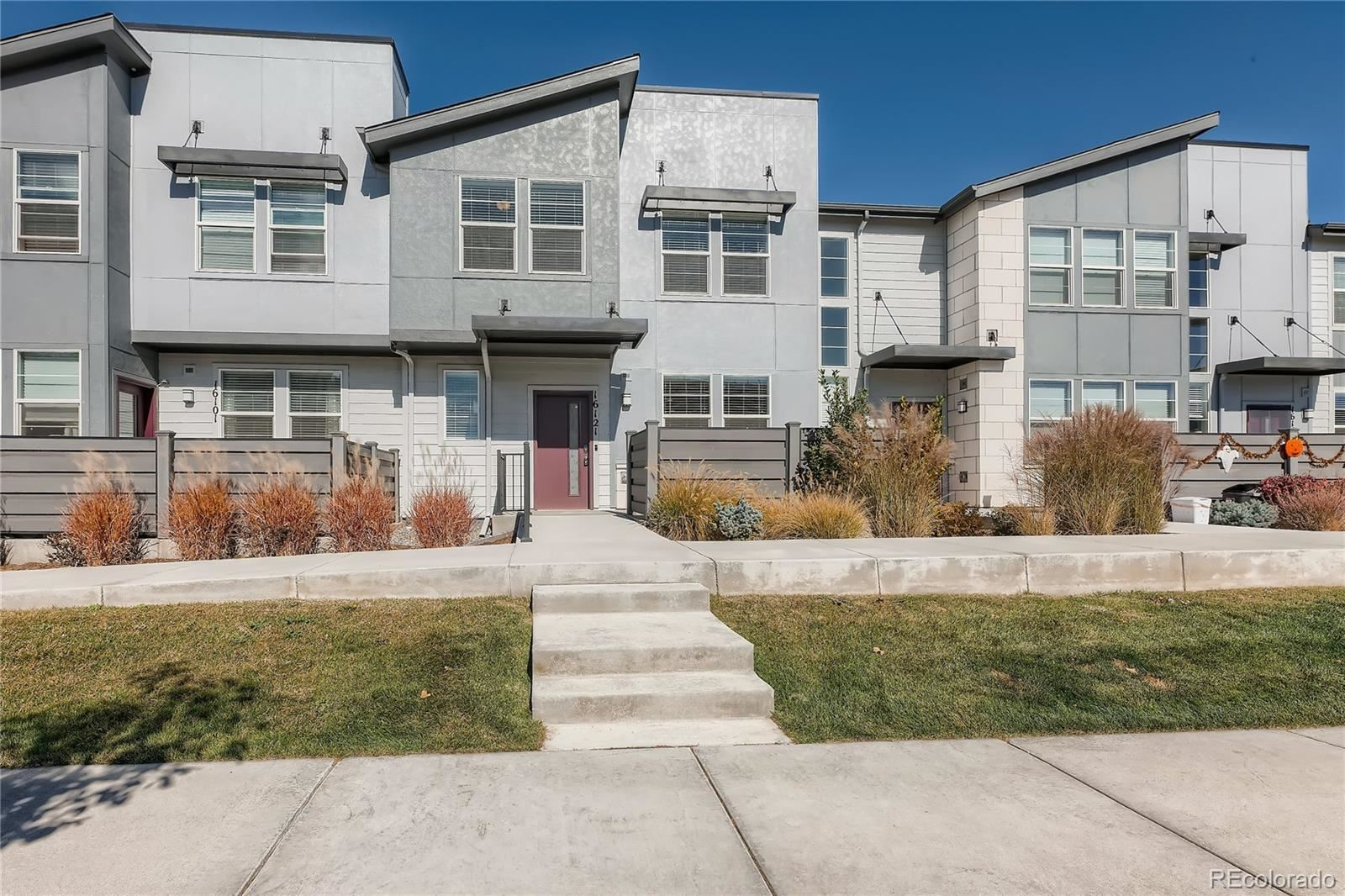 Photo of 16121 Bolling Drive, Denver, CO 80239 (MLS # 6170070)