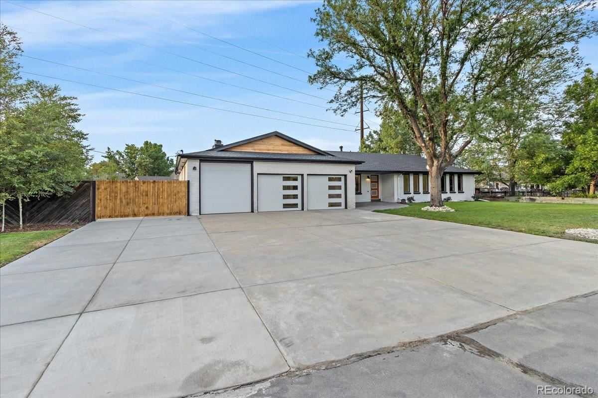 Photo of 6691 W 10 Place, Lakewood, CO 80214 (MLS # 9896247)