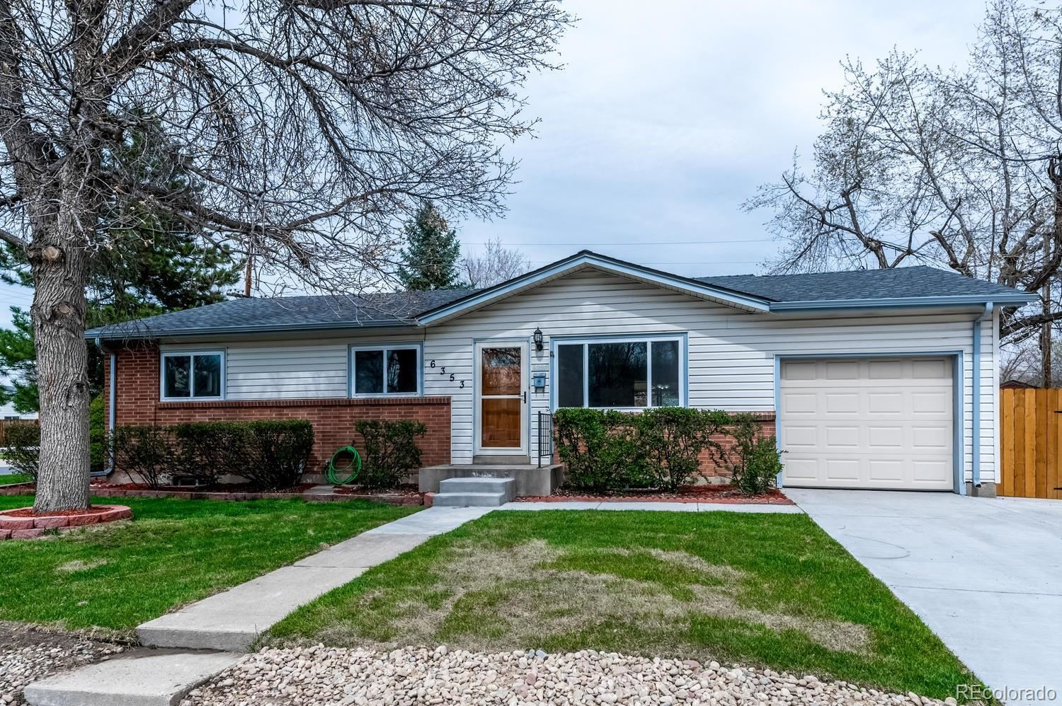 6353  Iris Way, Arvada, CO 80004 - #: 1839348
