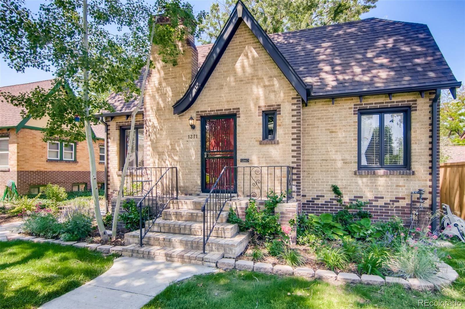 Photo of 1371 Hudson Street, Denver, CO 80220 (MLS # 2731364)
