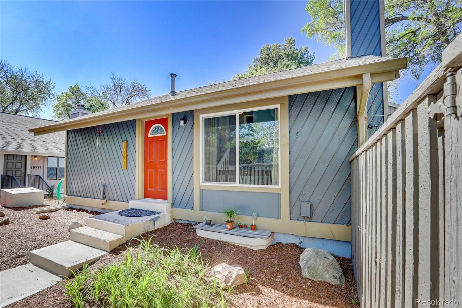 10205 E Peakview Avenue, Englewood, CO 80111 - #: 9129563