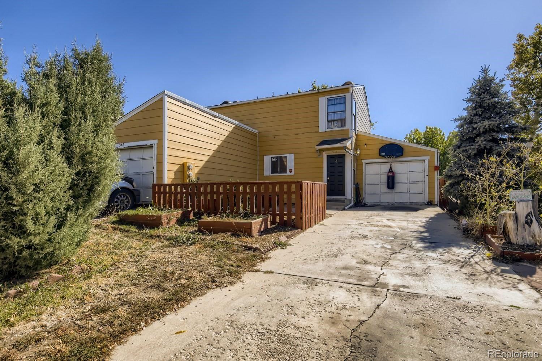 Photo of 345 Columbine Place, Longmont, CO 80501 (MLS # 7451652)