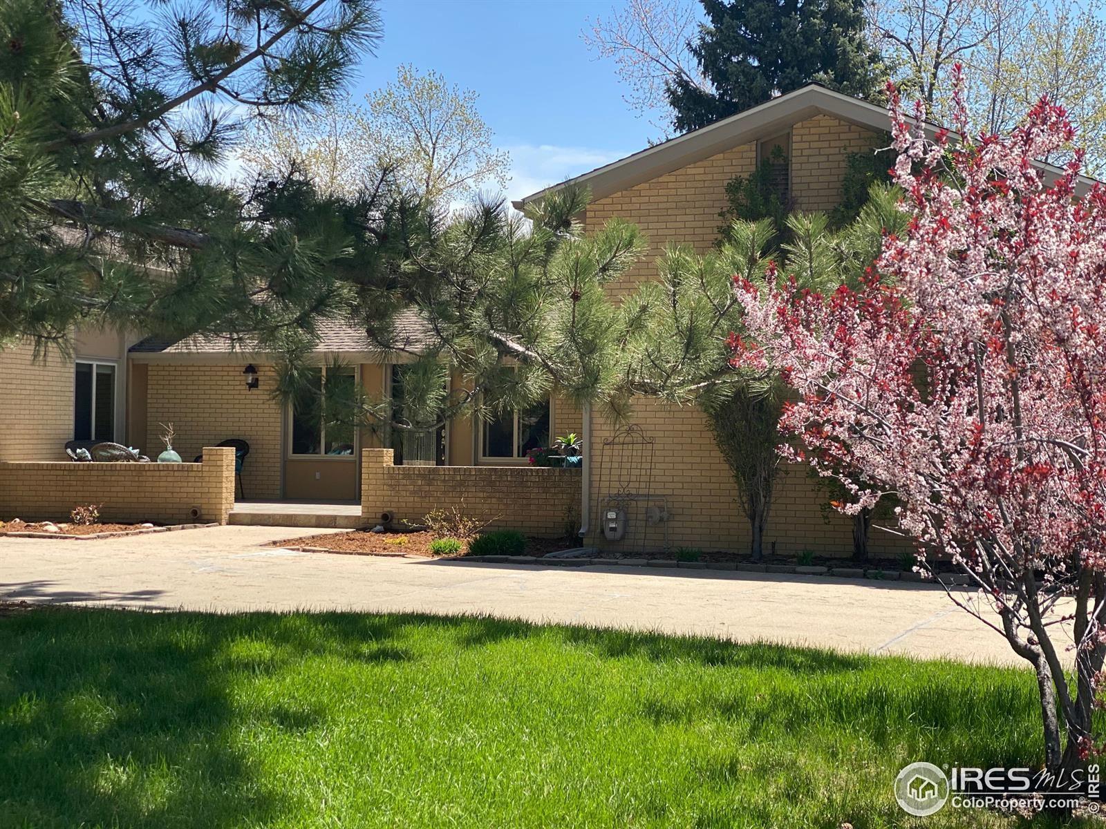 Photo of 320 Glenview Court, Longmont, CO 80504 (MLS # IR939789)
