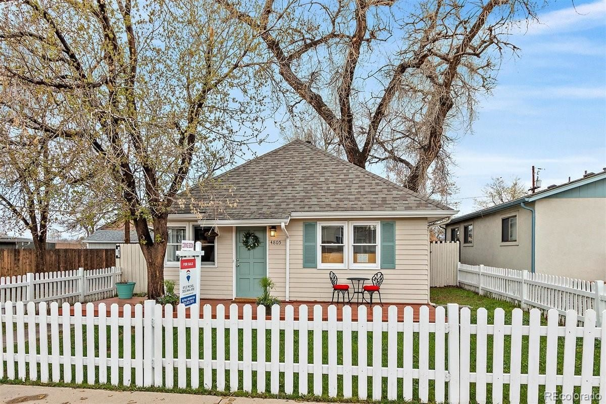 Photo of 4805 Chase Street, Denver, CO 80212 (MLS # 3531873)