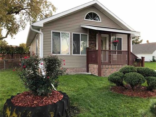 Photo of 1514 W Pleasant Street, Knoxville, IA 50138 (MLS # 593517)