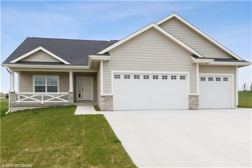 Photo of 906 Fountain View DR, Pella, IA 50219 (MLS # 575549)