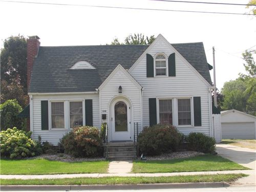 Photo of 1318 W Pleasant Street, Knoxville, IA 50138 (MLS # 614622)