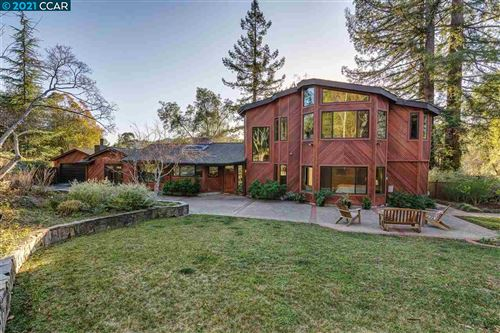 Photo of 28 Ivy Drive, ORINDA, CA 94563 (MLS # 40935000)