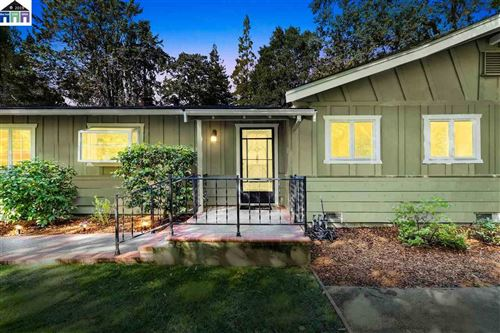 Photo of 410 Lakewood Cir, WALNUT CREEK, CA 94598 (MLS # 40888001)