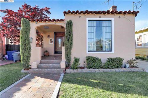 Photo of 362 W Broadmoor Blvd, SAN LEANDRO, CA 94577 (MLS # 40946002)