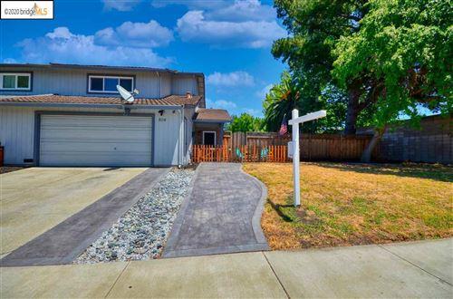 Photo of 804 San Simeon Dr, CONCORD, CA 94518 (MLS # 40912003)