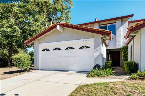 Photo of 3711 Mesa Vista Dr, SAN RAMON, CA 94583 (MLS # 40916004)