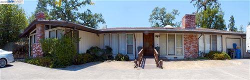 Photo of 981 La Gonda Way, DANVILLE, CA 94526 (MLS # 40925006)