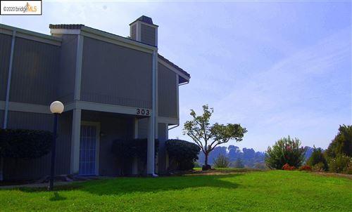 Photo of 303 Atlas Dr #5, HERCULES, CA 94547 (MLS # 40922007)