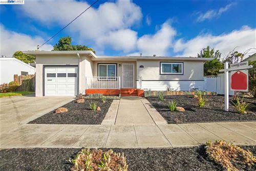 Photo of 1237 Inglewood St, HAYWARD, CA 94544 (MLS # 40922008)