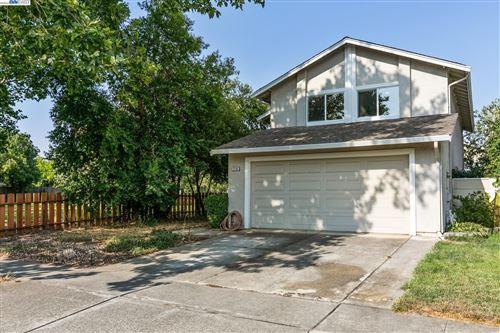 Photo of 2236 Oakland Ave, Pleasanton, CA 94588 (MLS # 40971008)