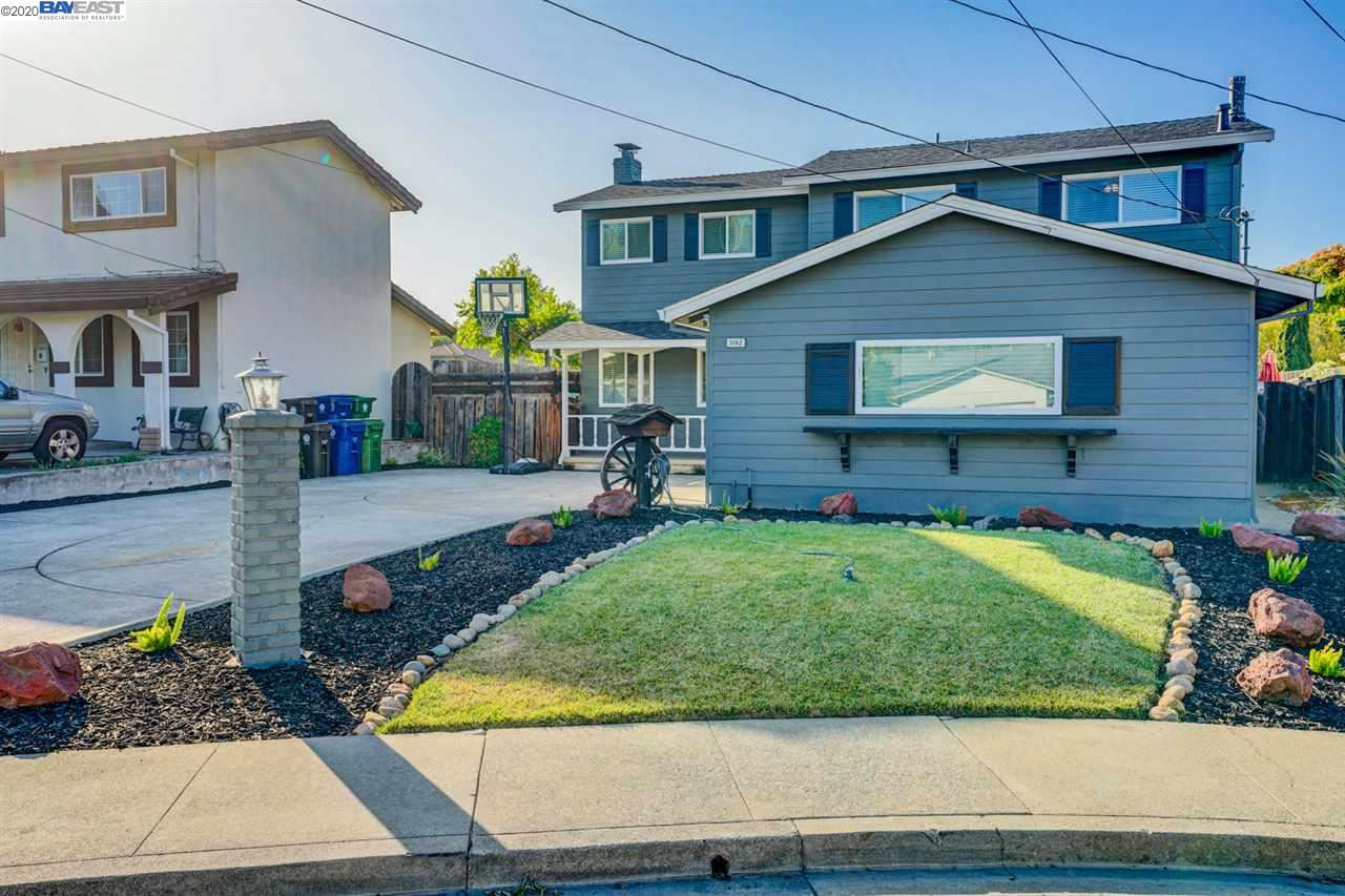 Photo for 3162 Brent Ct, CASTRO VALLEY, CA 94546 (MLS # 40911008)