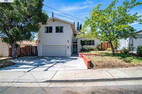 Photo of 33181 Palmetto Dr, UNION CITY, CA 94587 (MLS # 40907012)