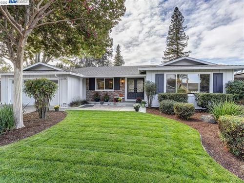 Photo of 1736 Greenwood Rd, Pleasanton, CA 94566 (MLS # 40971014)