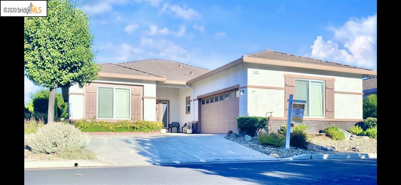 Photo for 941 Centennial Dr, BRENTWOOD, CA 94513 (MLS # 40915015)