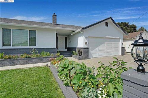Photo of 930 Kenyon Ave, SAN LEANDRO, CA 94577 (MLS # 40922016)