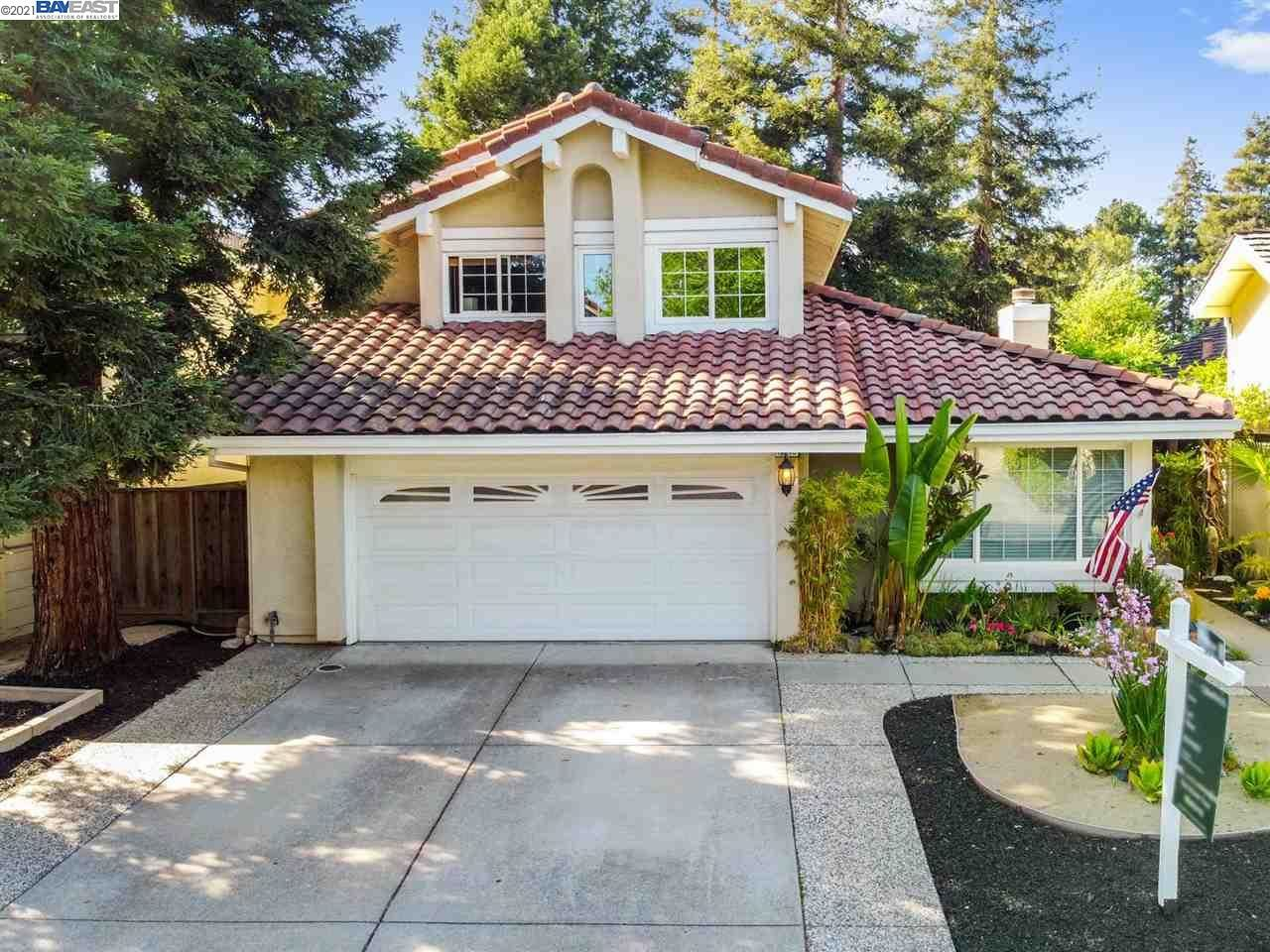 Photo of 11746 Shadow Dr, DUBLIN, CA 94568 (MLS # 40948016)