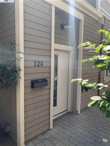 Photo of 124 W Linda Mesa, DANVILLE, CA 94526 (MLS # 40901017)