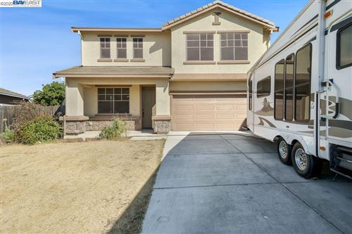 Photo of 17 Terri Ct, OAKLEY, CA 94561 (MLS # 40911019)