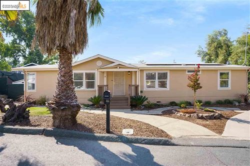 Photo of 8 Meeks Ln, OAKLEY, CA 94561 (MLS # 40922020)