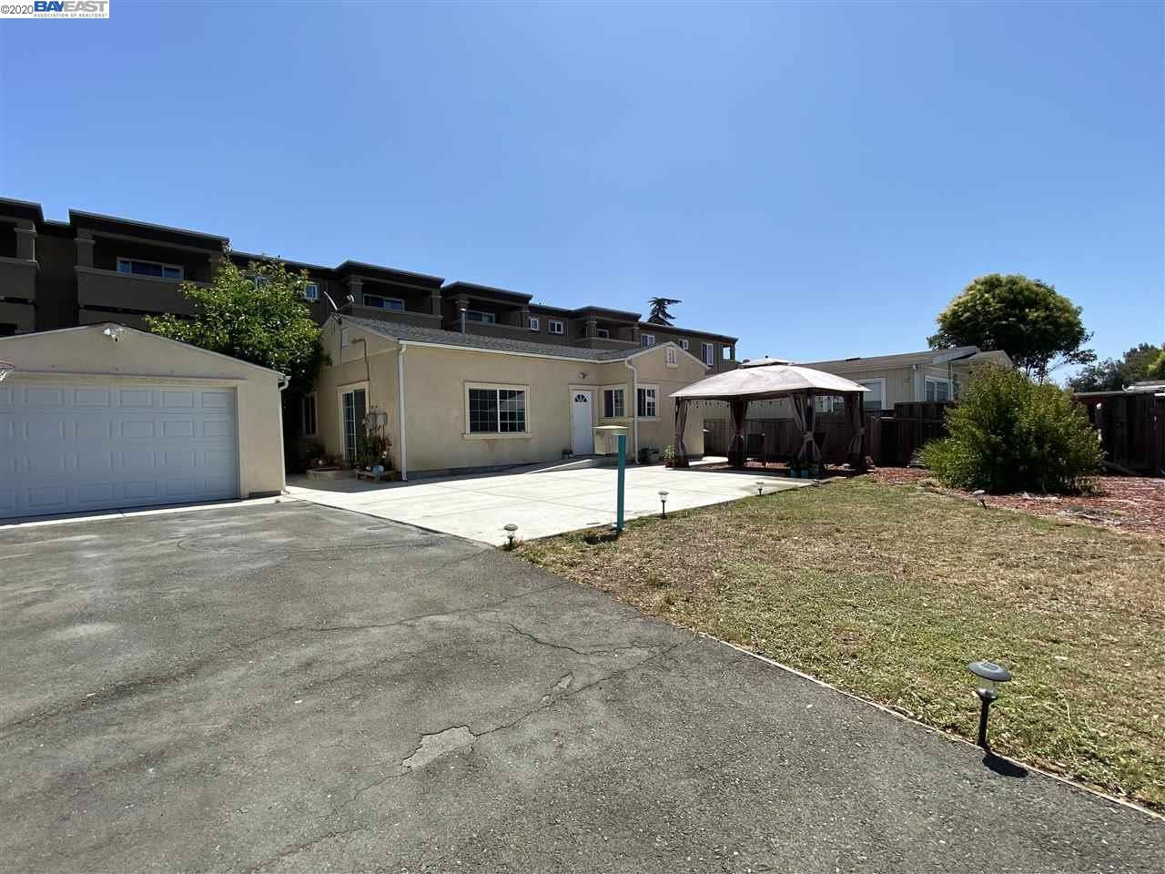 Photo for 1680 Grand Ave, SAN LEANDRO, CA 94577 (MLS # 40911020)