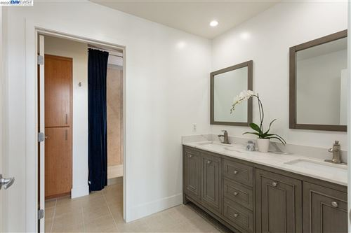 Tiny photo for 438 W Grand Ave #711, OAKLAND, CA 94612 (MLS # 40921022)