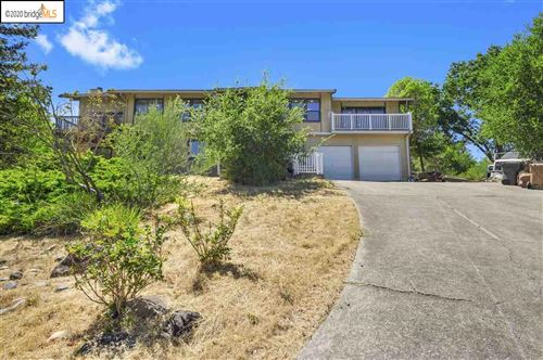 Photo of 913 Tavan Estates Dr, MARTINEZ, CA 94553 (MLS # 40914024)