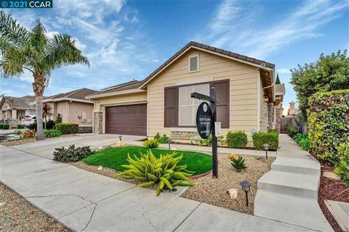 Photo of 408 Rocky Mountain Way, OAKLEY, CA 94561 (MLS # 40940025)