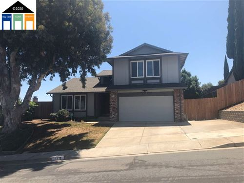 Photo of 2215 Serrano Way, PITTSBURG, CA 94565 (MLS # 40911027)