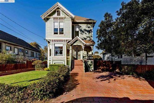 Photo of 2061 Buena Vista Ave, ALAMEDA, CA 94501 (MLS # 40926027)