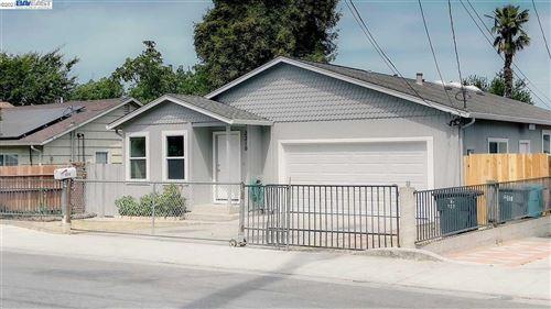 Photo of 2210 Oakwood Dr, EAST PALO ALTO, CA 94303 (MLS # 40955027)