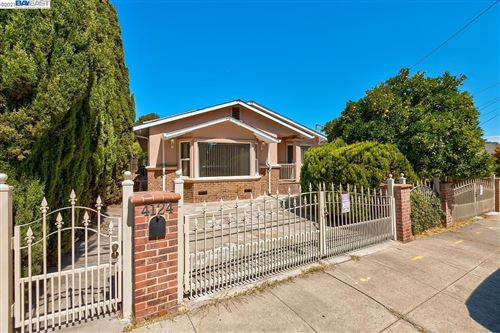 Photo of 4124 Omega Ave, CASTRO VALLEY, CA 94546 (MLS # 40968027)