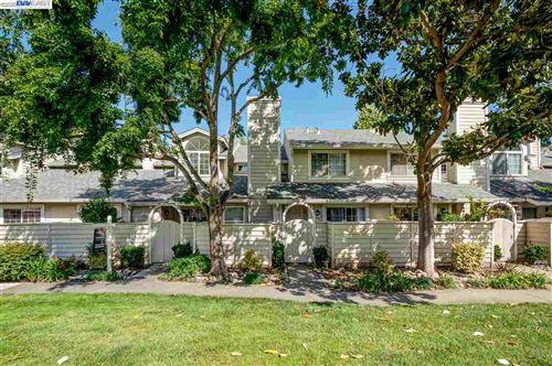 Photo of 7365 Stonedale Dr, PLEASANTON, CA 94588 (MLS # 40919029)