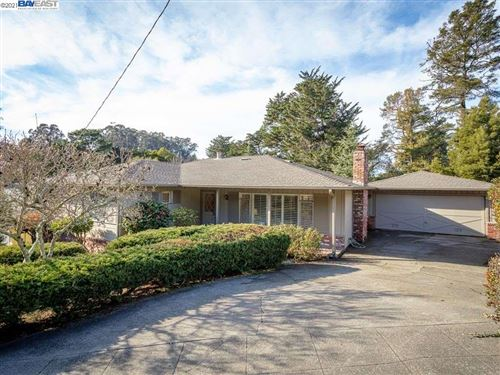 Photo of 35 Woodcrest Cir, OAKLAND, CA 94602 (MLS # 40935030)