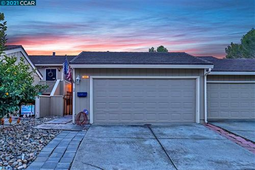 Photo of 429 Thistle Cir, MARTINEZ, CA 94553 (MLS # 40935031)