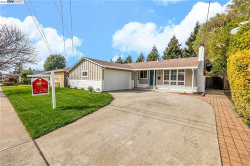 Photo of 2441 Bradford Ave, HAYWARD, CA 94545 (MLS # 40940033)