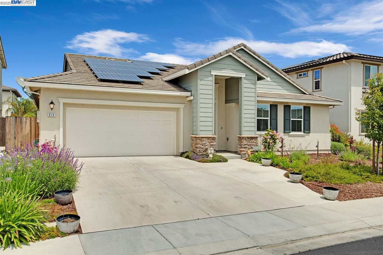 Photo for 814 Dunmore St, OAKLEY, CA 94561-2857 (MLS # 40905033)