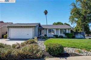 Photo of 1290 Lakehurst Rd, LIVERMORE, CA 94551 (MLS # 40845036)
