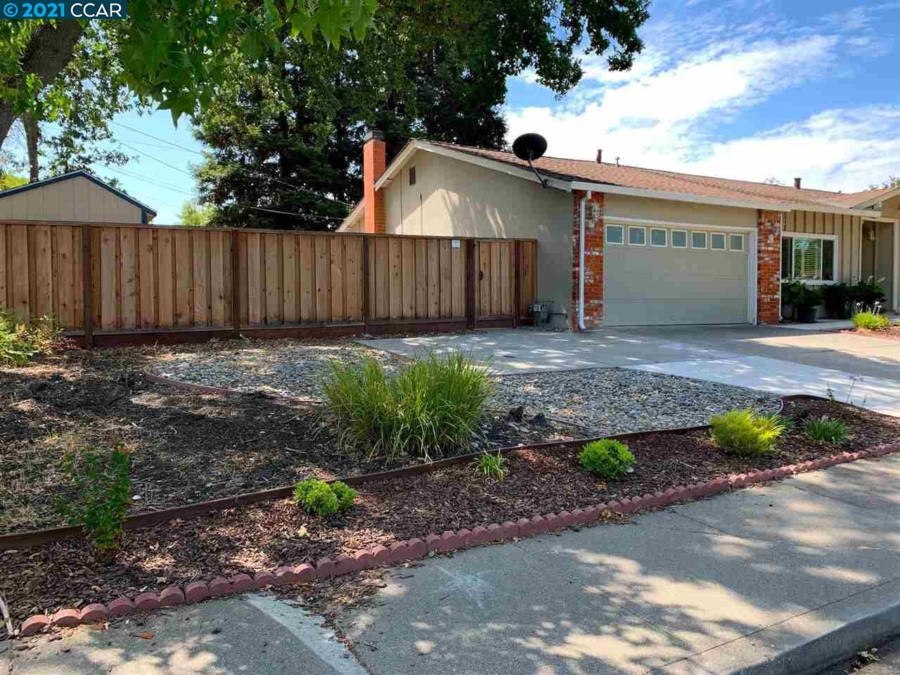 Photo of 975 Savannah Cir, WALNUT CREEK, CA 94598 (MLS # 40961036)