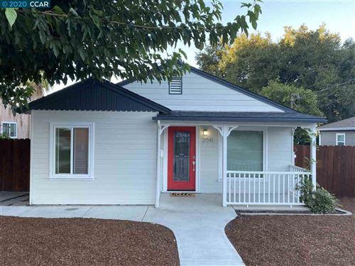 Photo of 2041 Boynton Ave, MARTINEZ, CA 94553 (MLS # 40925041)