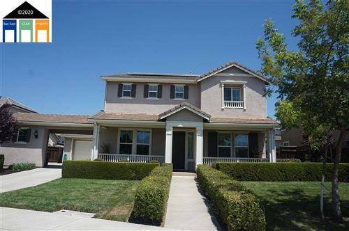Photo of 111 Celsia Way, OAKLEY, CA 94561 (MLS # 40911042)