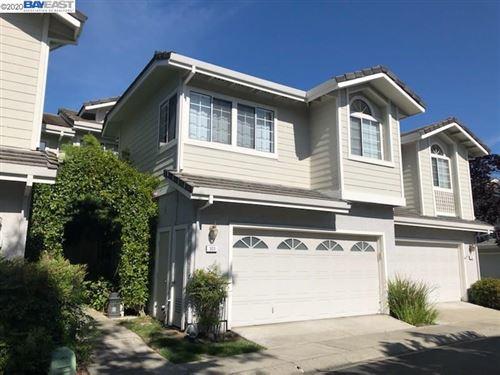 Photo of 303 W Meadows Ln, DANVILLE, CA 94506 (MLS # 40904045)